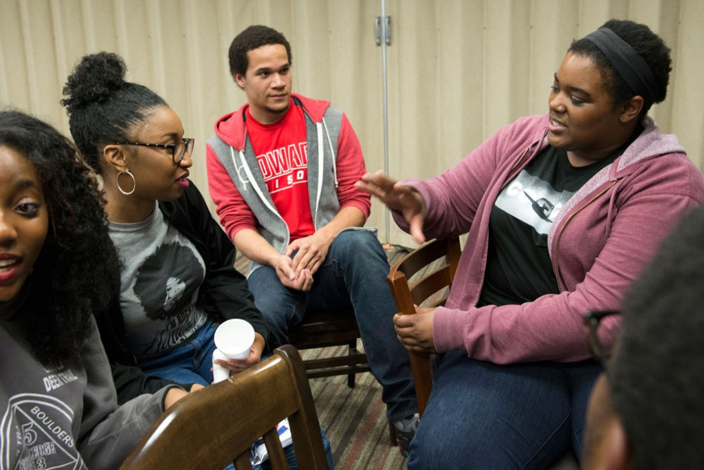 A Google software engineer and a member of the Google In Residence program meet with students at Howard University in Washington, April 14, 2015.