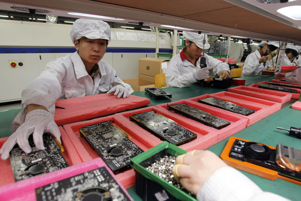 http://Will%20Foxconn's%20Manufacturing%20Promises%20in%20Wisconsin%20Prove%20to%20Be%20a%20Con?