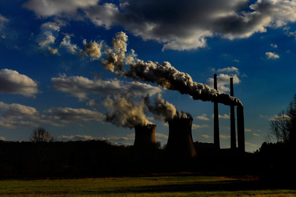 A coal-fired power plant sits near the Ohio River in West Virginia, November 2011.
