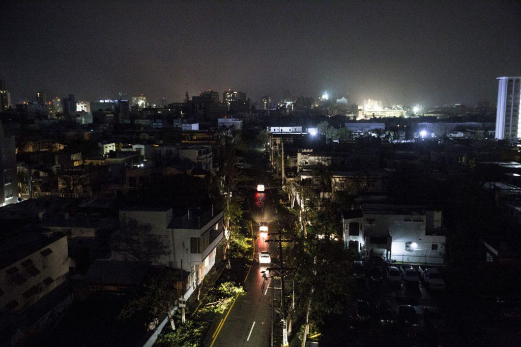 San Juan, Puerto Rico, experimentó un apagón después de que el huracán María tocó tierra en septiembre de 2017.