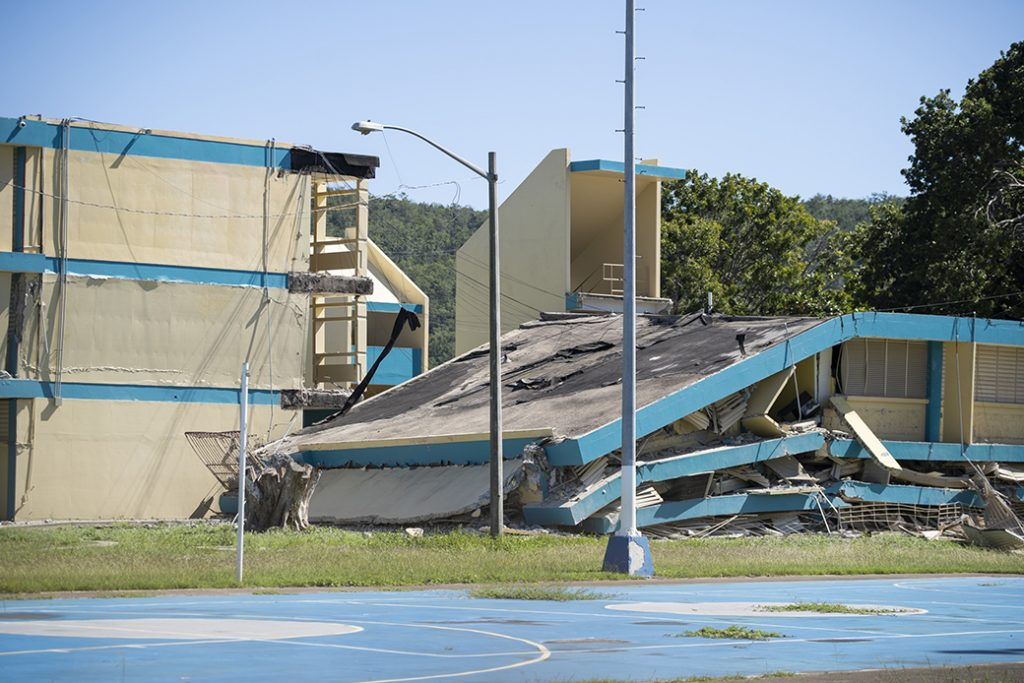 La Escuela Agripina Seda, en Guánica, Puerto Rico, se derrumbó después de que un terremoto de magnitud 6,4 sacudió al sur de la isla el 7 de enero de 2020.