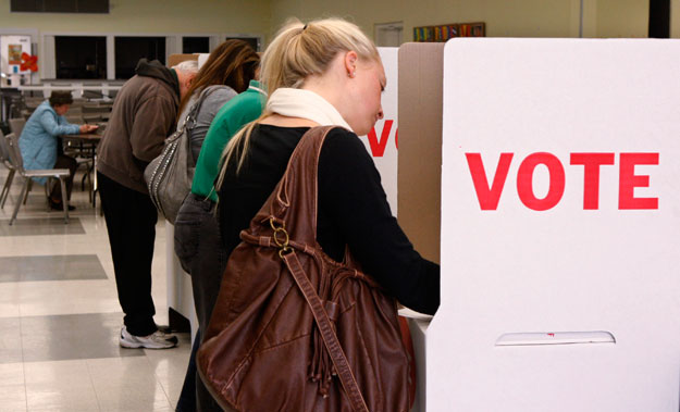Women vote in Oklahoma City