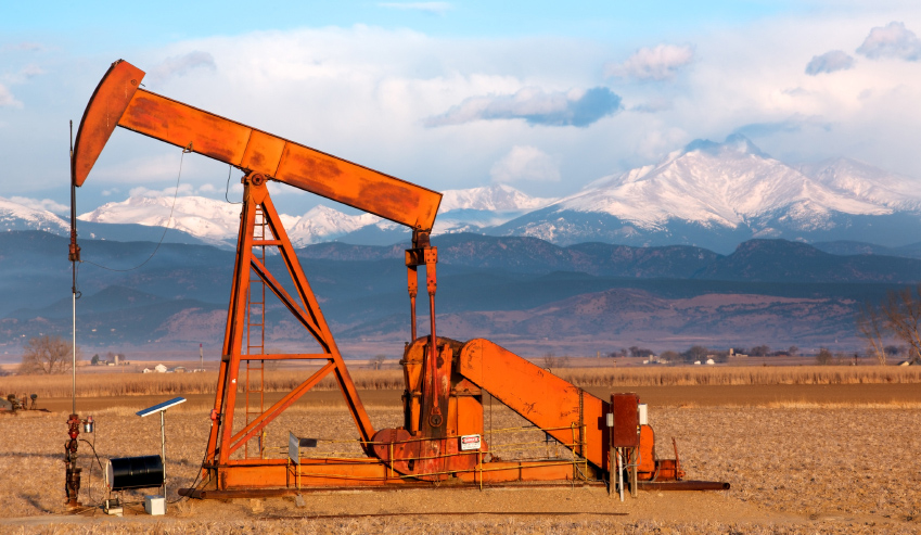 President Barack Obama and Congress should oppose efforts to allow the export of domestically produced oil.