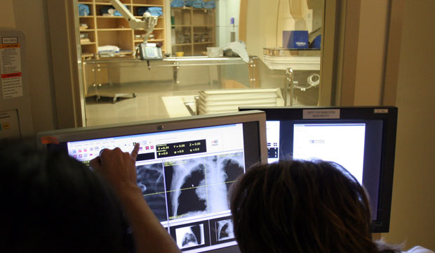 Radiation therapists use X-rays to show the exact position of a patient's tumor in the left lung