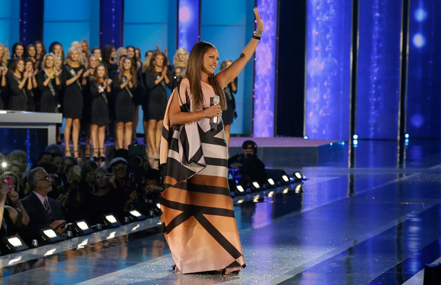 Former Miss America Vanessa Williams sings during in the Miss America 2016 pageant on September 13, 2015, in Atlantic City, New Jersey.